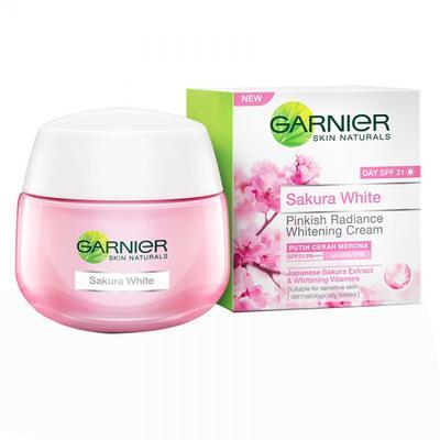 1. Garnier Sakura White Pinkish Radiance Whitening Cream Day
