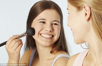 Berbagi Produk Makeup Ini Boleh, kok!