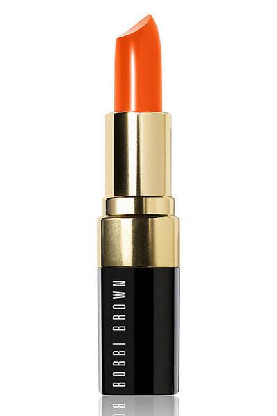 1. Pilih Warna Lipstik yang Tepat