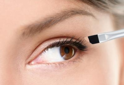 Memperbaiki Kesalahan Eyeliner