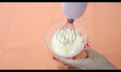 Yuk, Bikin Natural Whitening Cream Kamu Sendiri!
