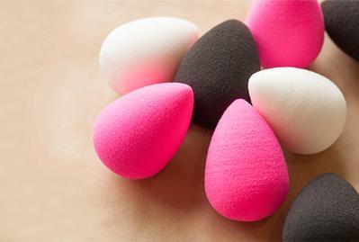 Selain untuk Makeup, Ternyata Beauty Blender Memiliki 5 Kegunaan Kecantikan Lain