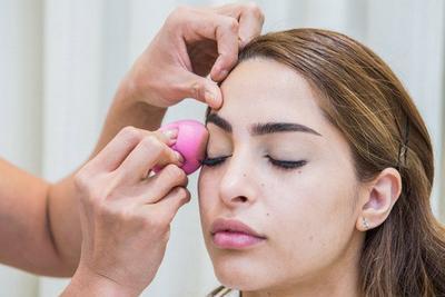 Tips Tampilan Makeup Flawless untuk Kulit Wajah Berjerawat