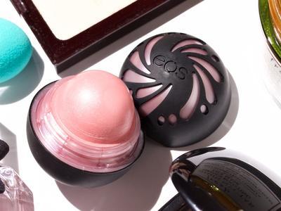 EOS Shimmer Lip Balm, Mutiara Perawat Bibir