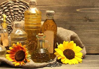 Punya Castor Oil di Rumah? Manfaatkan Sebagai Minyak Kecantikan Yuk!