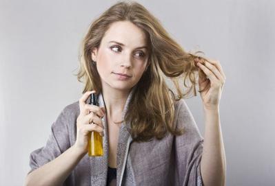 Tak Disangka, Kebiasaan yang Tak Disadari Ini Bisa Membuat Rambutmu Semakin Tipis