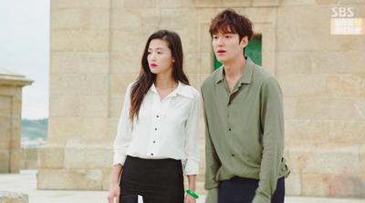 Jun Ji Hyun di The Legend of Blue Sea dengan Hera Rouge Holic #147 Supreme Pink