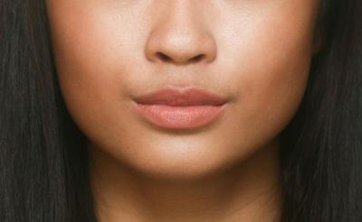 Warna Lipstick Ini Akan Terlihat Memukau di Kulit Sawo Matangmu!