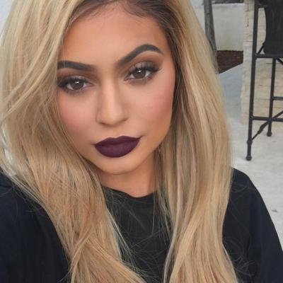 5 Lipstick Warna Bold Terbaik Sebagai Dupe Kylie Lip Kit Kourt K