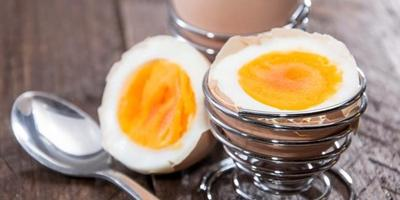Telur Rebus Dan Semangkuk Brokoli