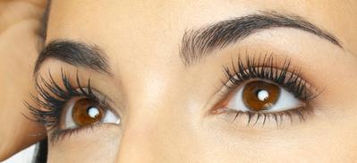 Tren Mendapatkan Bulu Mata Lentik dengan Eyelash Enhancer