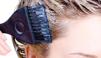 Hindari 9 Kesalahan Berikut Agar Hasil Hair Coloring-mu Tak Sia-Sia