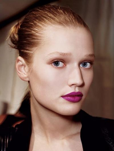 Lipstik yang Berwarna Menantang