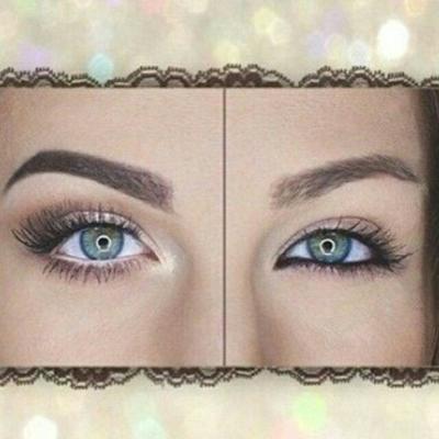 1. Mengaplikasikan Eyeliner Hitam Pada Waterline