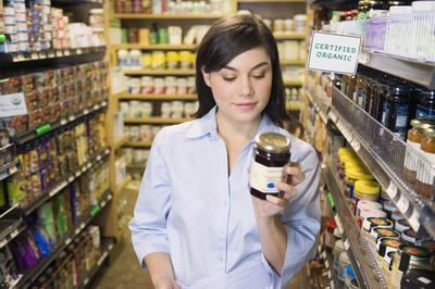 Waspadai 5 Bahan Berbahaya yang Sering Ditemukan Pada Makananmu