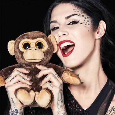 Belanja Makeup Sekaligus Melestarikan Hewan Langka? Inilah Project Chimps dari Kat Von D