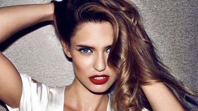 Ingin Tampil Menawan saat Tahun Baru? Ini 3 Pilihan Warna Lipstik yang Bisa Dicoba