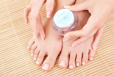 6 Pilihan Foot Cream ini Dapat Membuatmu Percaya Diri Memakai Sepatu Terbuka