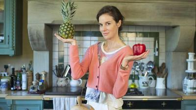Kulit Sehat dan Awet Muda Bisa Kamu Dapatkan dengan Tips Makan Berikut Ini, Ladies!