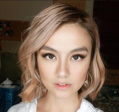 Ingin Terlihat Muda Di Usia An Intip Gaya Rambut Selebritis - Gaya rambut pendek yg elegan