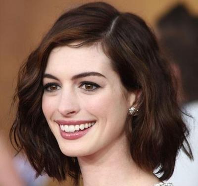 Gaya Rambut 5 Artis Hollywood Berusia 30an ini Bisa Membuat Wajahmu Awet Muda!