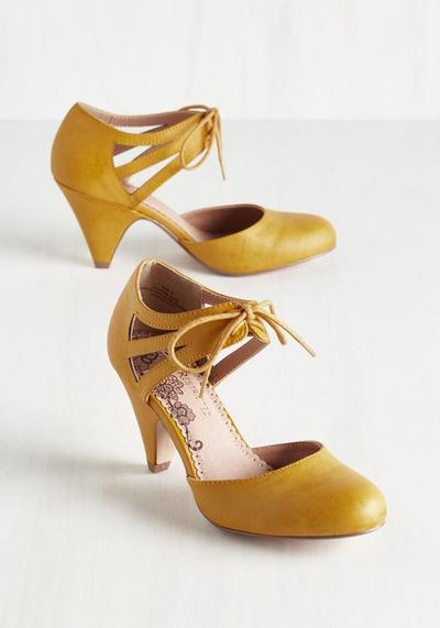 Pilihan Sepatu Pengganti Heels yang Bisa Memberikan Efek Tinggi Tanpa Rasa Sakit