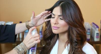 3. Sering Menggunakan Hairspray