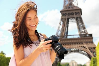 6 Cara Agar Kamu Tetap Cantik dan Eksis di Depan Kamera Saat Travelling