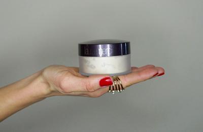 Tentang Laura Mercier Translucent Loose Setting Powder