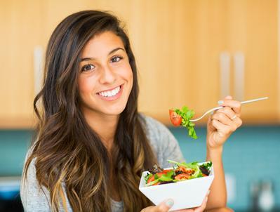 Kulit Selalu Kenyal, Kencang, dan Bebas Keriput Hanya Dengan Pola Makan Simpel Ini