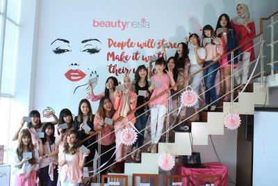 """Ngobrol Seru Tentang """"My 2017 Makeup Look"""" Bersama ESQA Cosmetics"""
