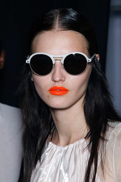 Bold Orange Untuk Semua Warna Kulit