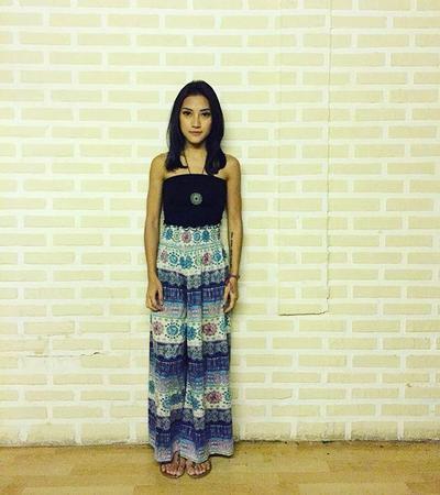 Kemben dan Maxi Skirt