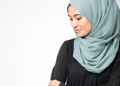Hijabers, Yuk Kenali 5 Jenis Bahan Hijab Kekinian yang Nyaman untuk Kamu Cobain