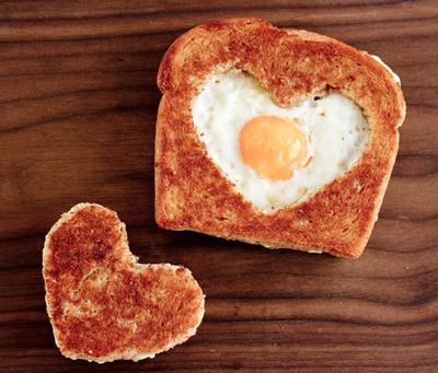 1. HEART TOAST.