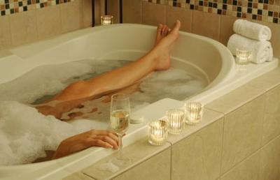 Tips Supaya Tetap Hangat Berendam di Bathtub