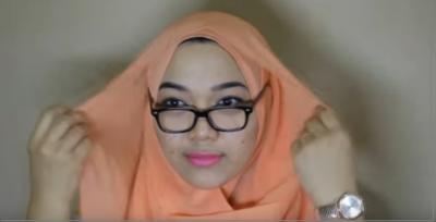 4. Tutupi Kacamata dengan 2 Layer