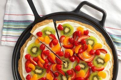 Pizza Oreo Buah Segar