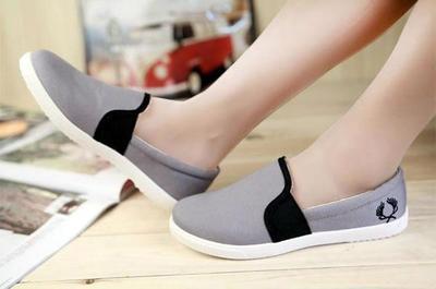 Agar Stylish di Musim Hujan, Ini Dia 4 Pilihan Sepatu Fashionable Untuk Bepergian