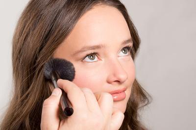 Ini Dia Cara Mengaplikasikan Makeup yang Tepat Ketika Kulitmu Kering