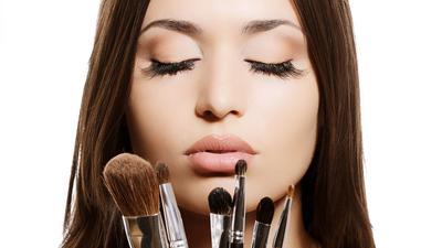 Pemula Makeup! Ingatlah 4 Nasehat Bijak Ini Saat Bereksperimen dengan Makeup-mu