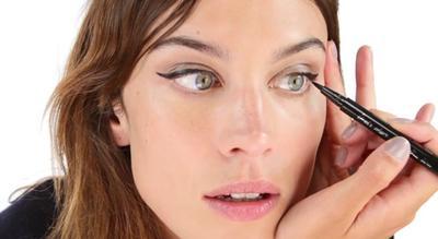 Mudah Memasang Bulu Mata Palsu Cukup dengan 5 Langkah Ini!