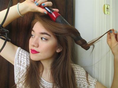 Stop Mengulangi 5 Kesalahan Ini Saat Mengeriting Rambut!