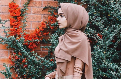 8 Tips Ampuh Merawat Rambut Tetap Sehat Untukmu Para Hijabers