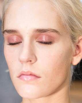 1. Eyeshadow Pink