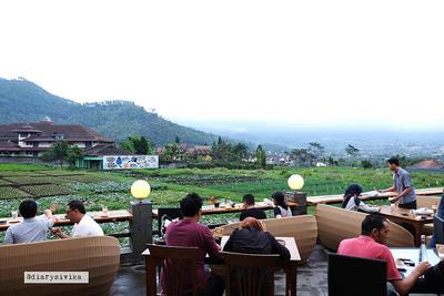Pupuk Bawang Cafe and Dining
