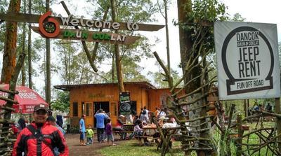 Daun Coklat (Dancok) Cafe - Trail and Jeep Station