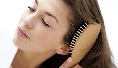Yuk, Pilih Sisir Rambut Yang Paling Tepat Untuk Kebutuhan Rambutmu!