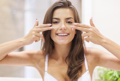 Skincare Lovers, Sudahkah Kamu Mengetahui Fakta Pelembap yang Satu Ini?