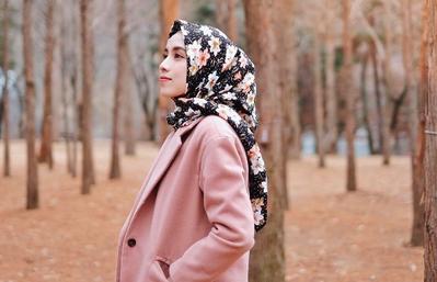 Hijab Cepat Rusak Karena Peniti? Ini Lho Tips Mudah Merawat Hijab agar Lebih Awet!